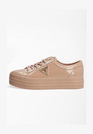 BHANIA LACKOPTIK LOGO - Sneakersy niskie - hellrose