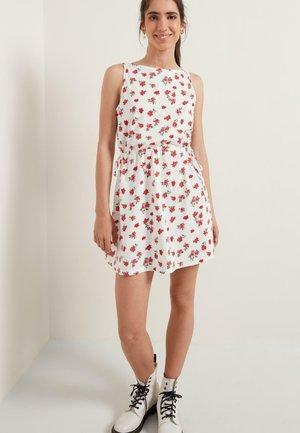 Day dress - bianco st red pinks