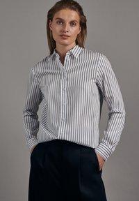 Seidensticker - SCHWARZE ROSE SLIM FIT - Button-down blouse - weiss - 0