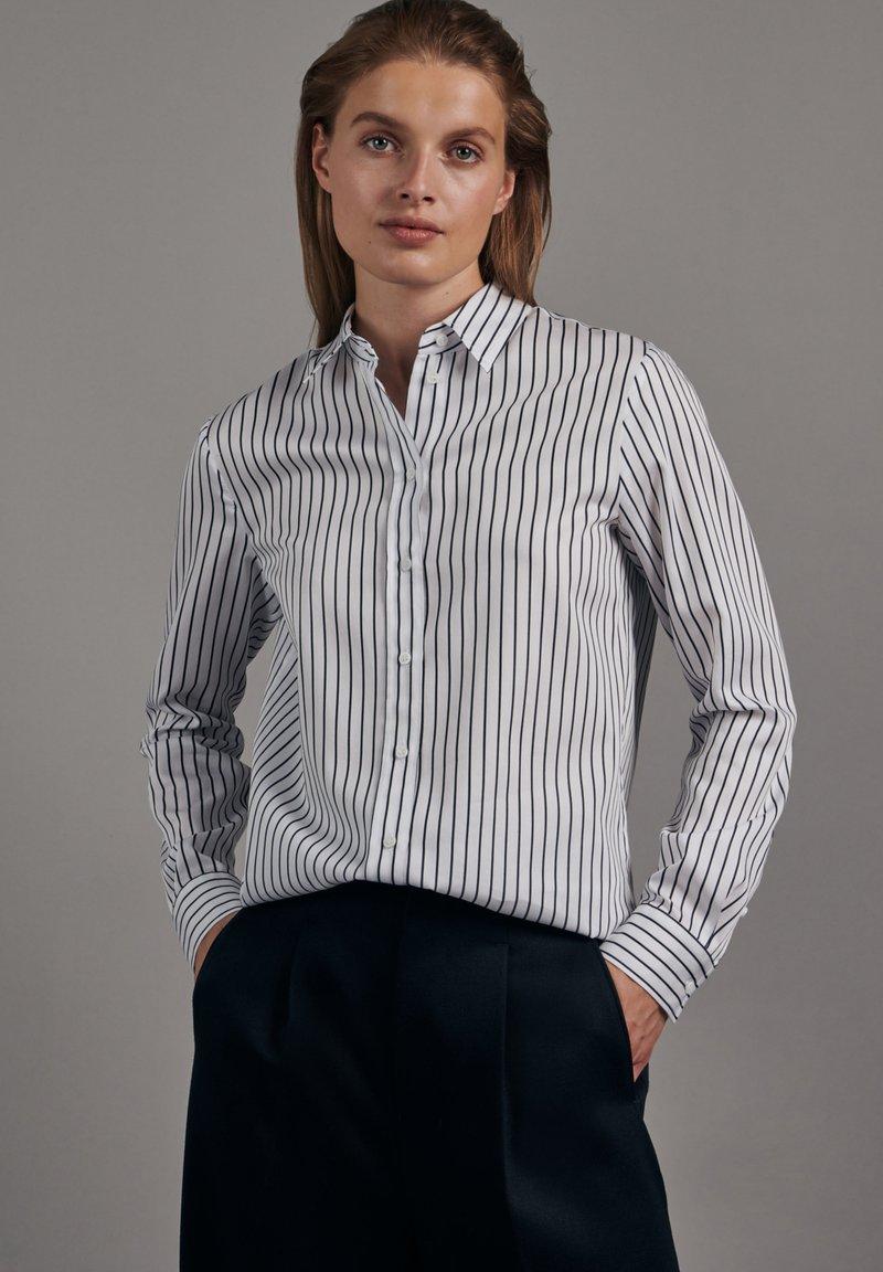Seidensticker - SCHWARZE ROSE SLIM FIT - Button-down blouse - weiss