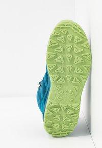 Lowa - INNOX PRO GTX MID JUNIOR UNISEX - Hiking shoes - türkis/mint - 5