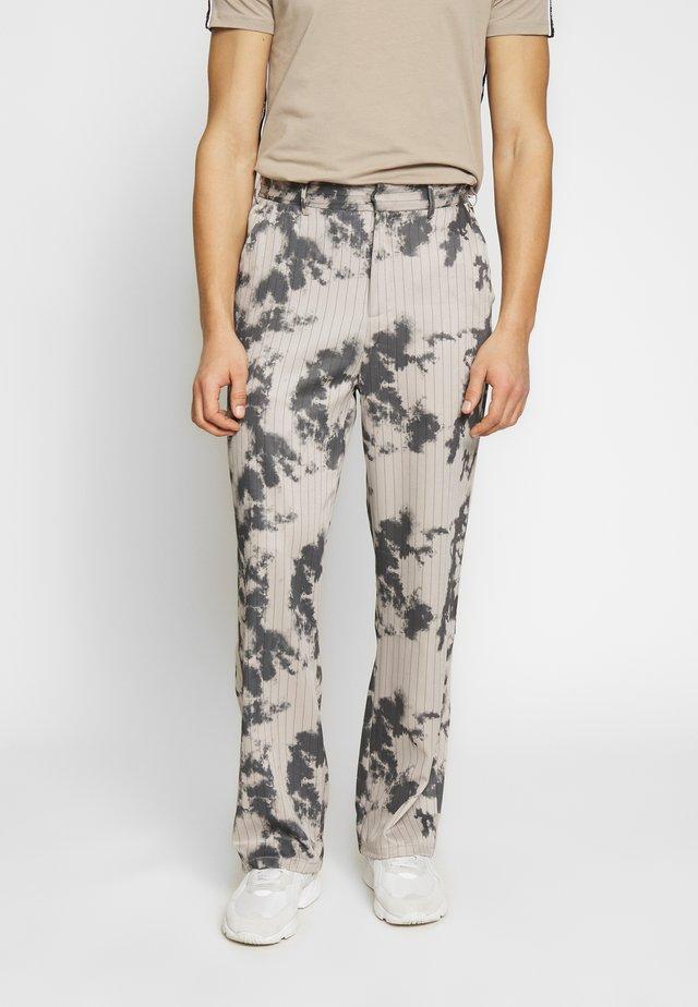 BLEACHED PINSTRIPE TROUSER - Pantaloni - grey