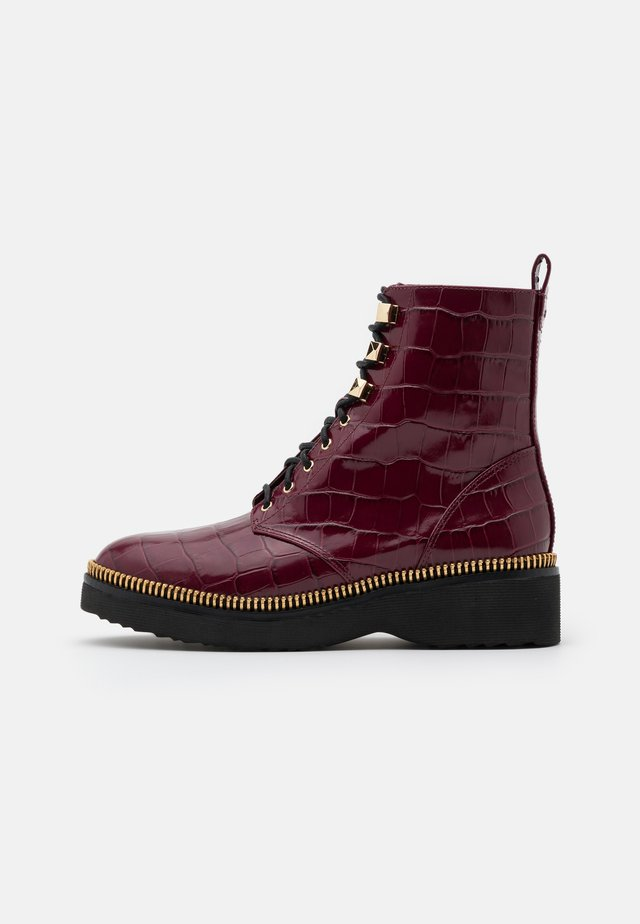 HASKELL BOOTIE - Veterboots - dark berry