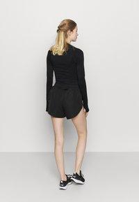 NU-IN - RUNNING SHELL  - Pantalón corto de deporte - black - 2