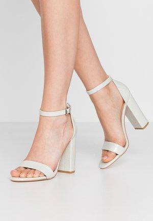 Sandály na vysokém podpatku - ice
