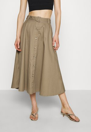 THE BELTED CIRCLE SKIRT - Falda acampanada - light tobacco
