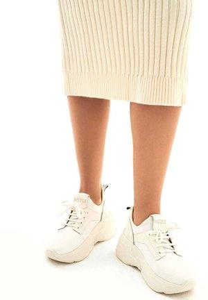 MIROSLAVA  - Sneakersy niskie - white