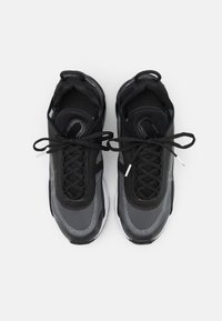 Nike Sportswear - AIR MAX 2090 - Sneaker low - black/white/wolf grey/anthracite - 3