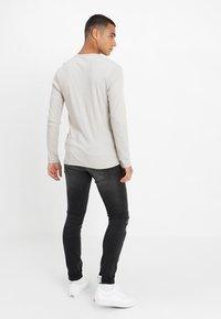 Pepe Jeans - FINSBURY - Jeans Skinny Fit - black denim - 2