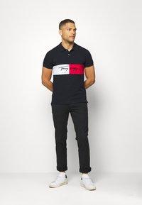 Tommy Hilfiger - AUTOGRAPH FLAG SLIM FIT - Polo shirt - blue - 1