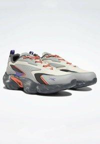 Reebok Classic - MOBIUS_R DMX FOAM SHOES - Sneakersy niskie - grey - 6
