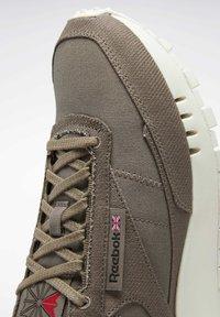 Reebok Classic - LEGACY  - Sneakers - grey - 6