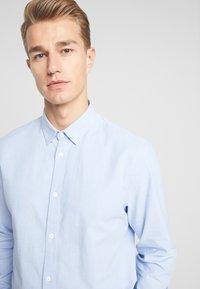 Solid - JUAN OXFORD - Shirt - sky blue - 3