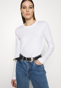 ARKET - LONGSLEEVE - Long sleeved top - white - 3