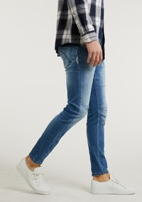 CHASIN' - Slim fit jeans - light blue - 2