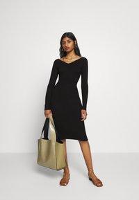 Even&Odd Petite - Shift dress - black - 1