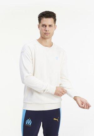 Sweatshirts - whisper white