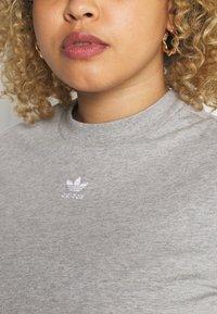 adidas Originals - CROPPED TEE - T-shirt basic - medium grey heather - 5