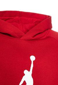 Jordan - JUMPMAN LOGO - Bluza z kapturem - gym red - 3