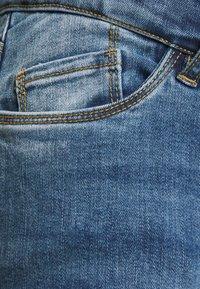 MAMALICIOUS - MLYORK - Jeans slim fit - medium blue denim - 2