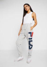 Fila Tall - PURE PANTS - Tracksuit bottoms - light grey melange - 1