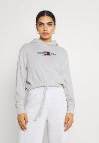 Tommy Jeans - CROP TIMELESS HOOD - Sweatshirt - silver grey heater - 0