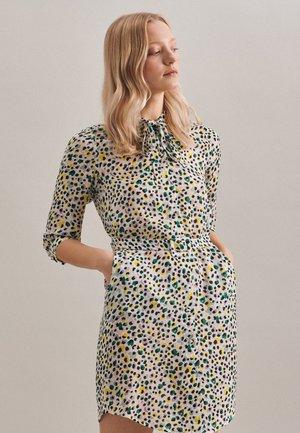 SCHWARZE ROSE - Shirt dress - ecru