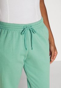 Weekday - TIN - Tracksuit bottoms - green - 3