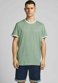 Jack & Jones - 3 PACK - Print T-shirt - white - 3