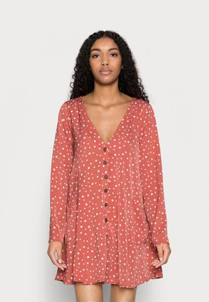 BUTTON THRU SMOCK DRESS DALMATIAN - Shirt dress - blush