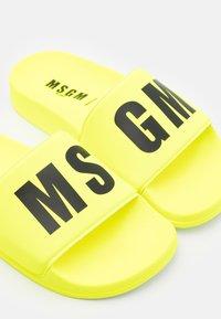 MSGM - UNISEX - Mules - neon yellow - 5
