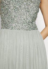 Lace & Beads Tall - BEATRICE MAXI  - Společenské šaty - sage - 5