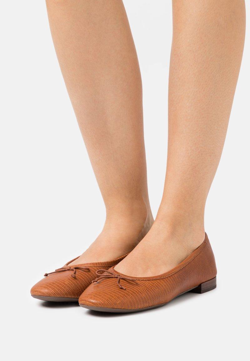 Madewell - MARIA BALLET FLAT - Ballerina's - warm nutmeg