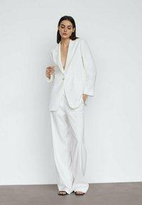 Massimo Dutti - Pantalon classique - white - 1