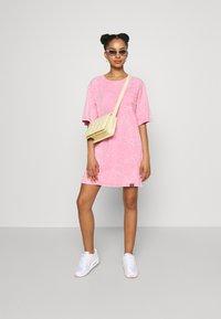 Von Dutch - KENDALL - Jersey dress - pink - 4
