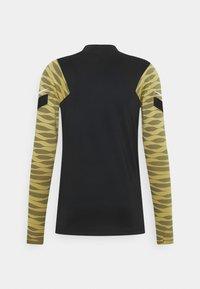 Nike Performance - STRIKE21 DRIL - Funktionstrøjer - saturn gold/black/white - 7