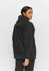 Nike Performance - COZY - Fleece jacket - black/metallic gold - 2