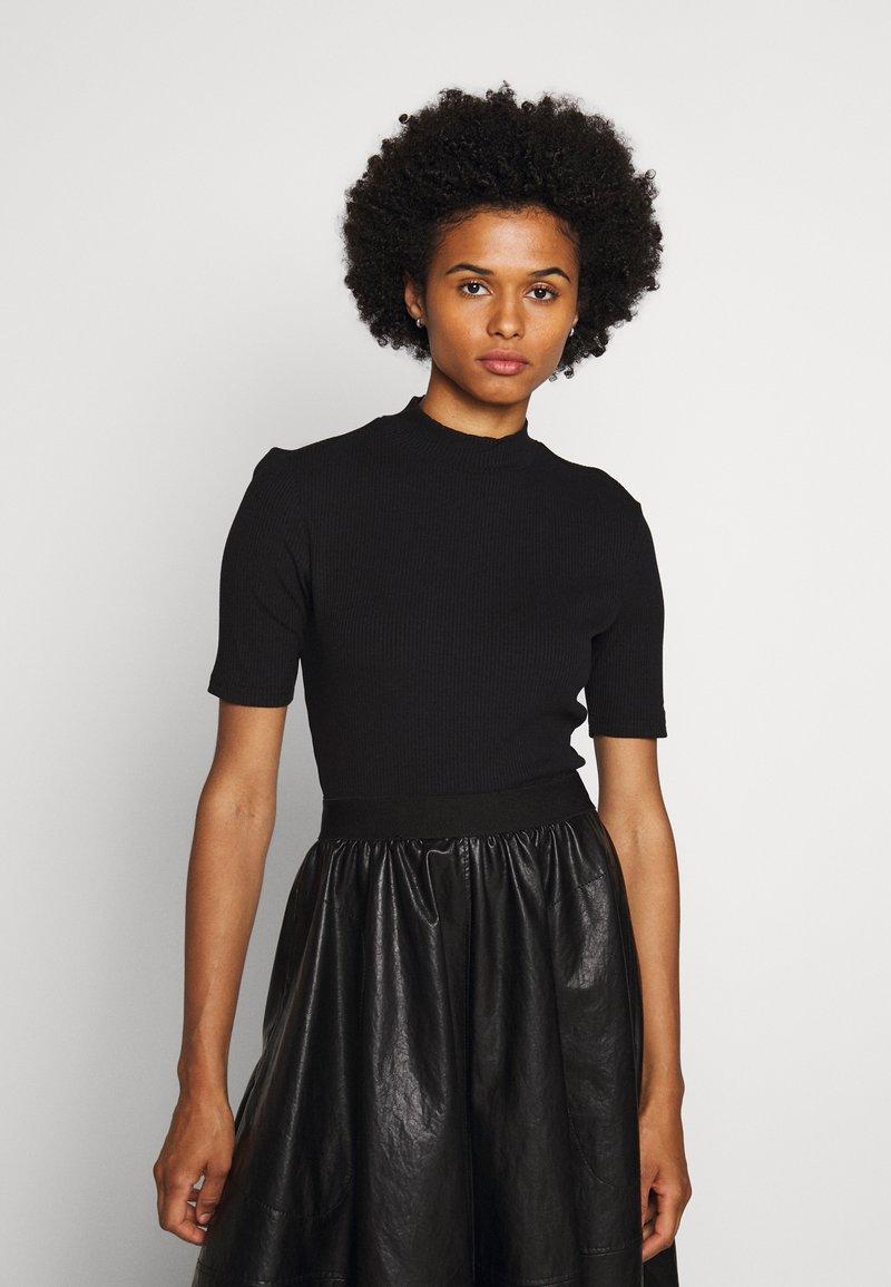 HUGO - DINANE - Basic T-shirt - black