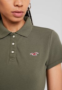 Hollister Co. - CORE  - Polo shirt - olive - 4