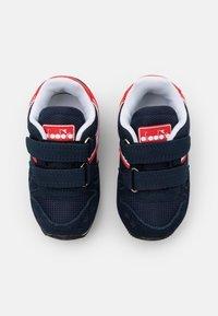 Diadora - SIMPLE RUN UNISEX - Neutrální běžecké boty - blue corsair/white - 3