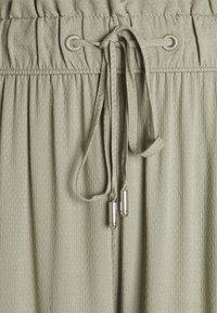 s.Oliver - Trousers - summer khaki - 2