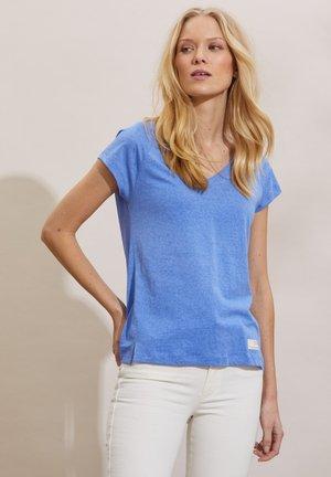 BETH - Basic T-shirt - cornflower blue