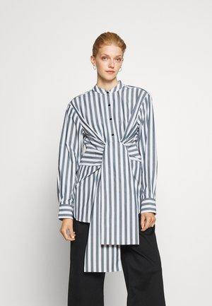 TIED SHIRT - Bluse - white/petrol