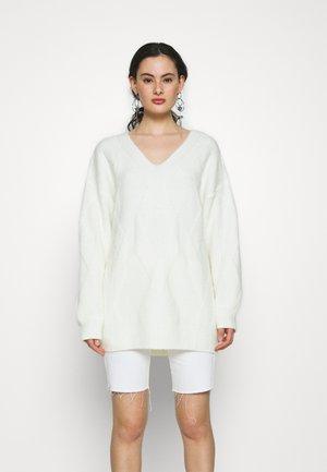 Donna Romina x NA-KD - Strikket kjole - offwhite