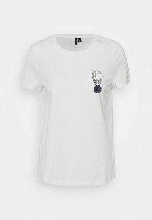 VMDONNAFRANCIS BOX - T-shirts med print - snow white