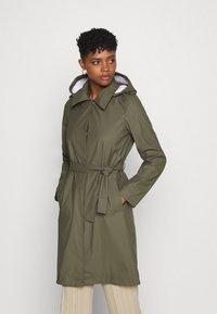 Vero Moda - VMSHADYSOFIA  - Waterproof jacket - bungee - 0