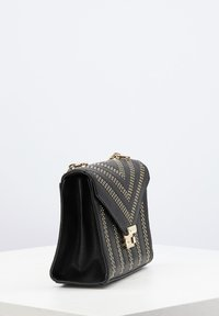 Carlo Colucci - Across body bag - schwarz - 3