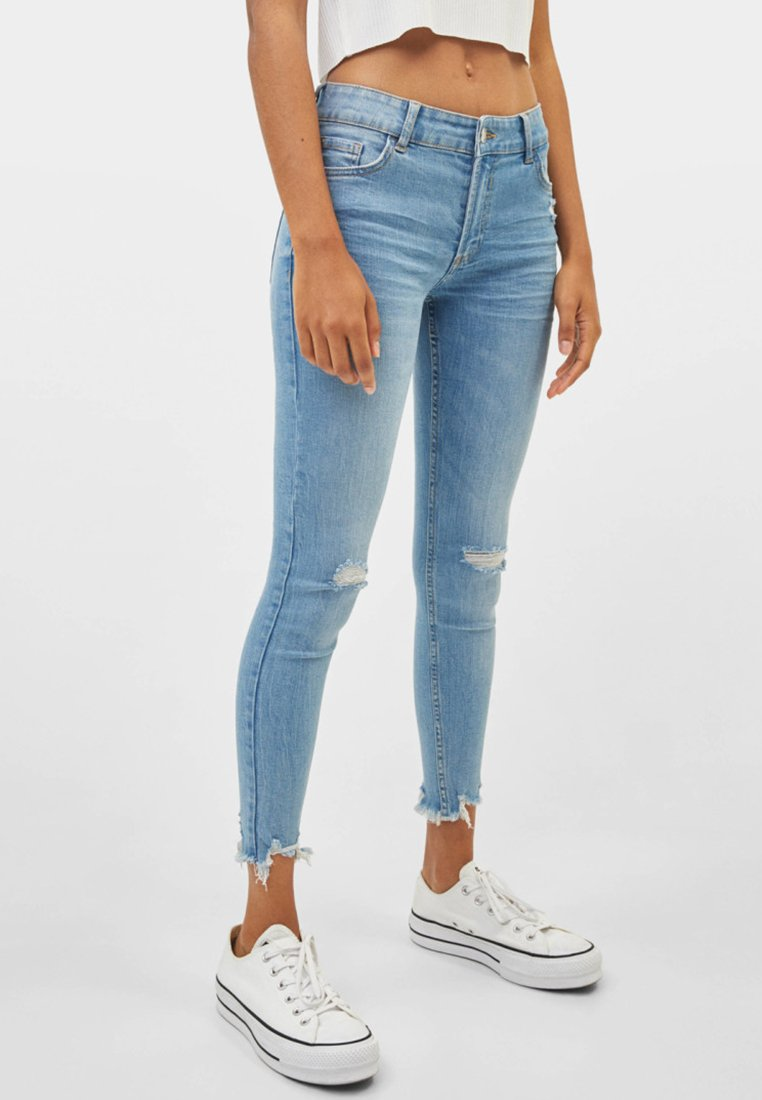 Bershka - LOW WAIST - Jeans Skinny Fit - Light Blue