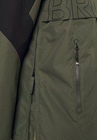 Brunotti - TRISTIN MENS JACKET - Snowboardová bunda - pine grey - 8
