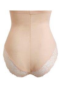 Next - Intimo modellante - nude - 1